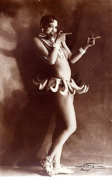 Josephine Baker in banana skirt