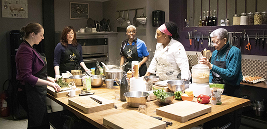Chef Jennifer Booker and Soul Food Atelier attendees