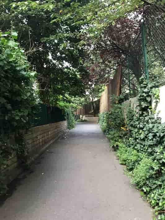 Path to Le Comptoir Général