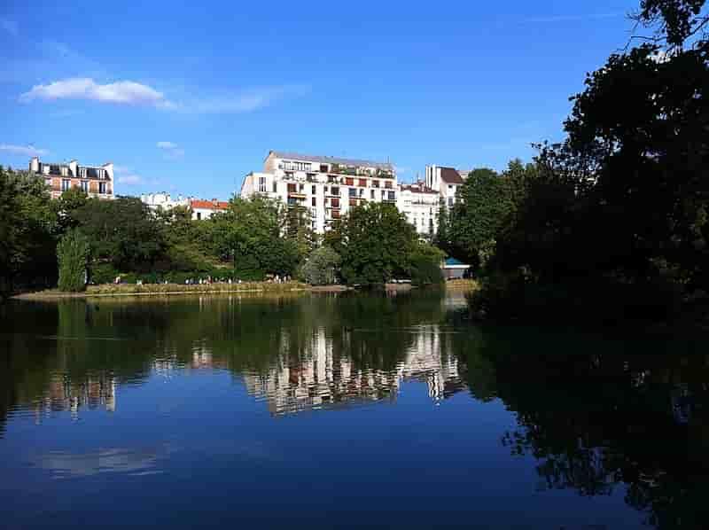 Lake at Parc Montsouris - Paris